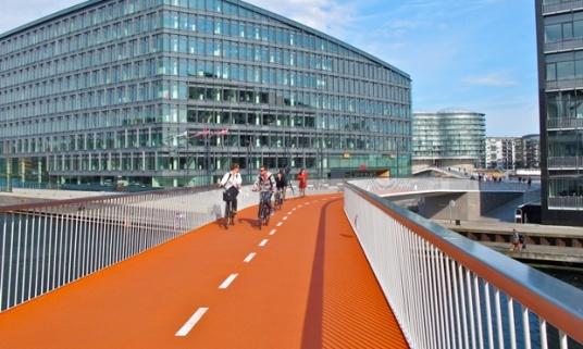 SNAKE-BIKE-LANE-Copenhagen-01-more-than-green