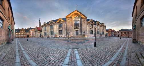 university_main_building-kvnh
