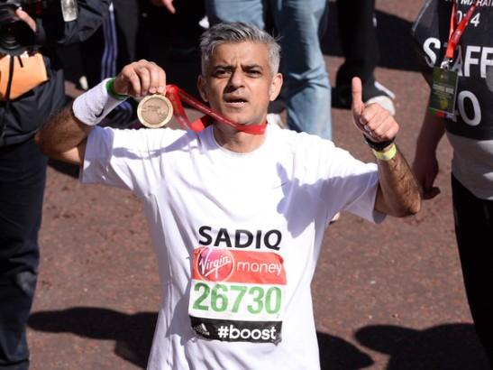 sadiqkhancelebritieslondonmarathon20143_wdgm_4pibl